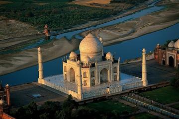 Same Day-Trip to Taj Mahal Agra from Delhi by Train (Gatiman Exp to Gatiman Exp)