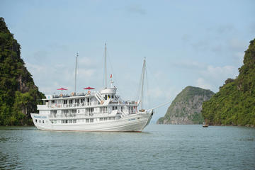 Halong Bay 3-Day Cruise with Pearl...