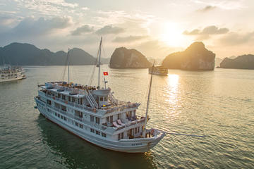 Overnight Halong Bay Cruise with Paradise Cruises