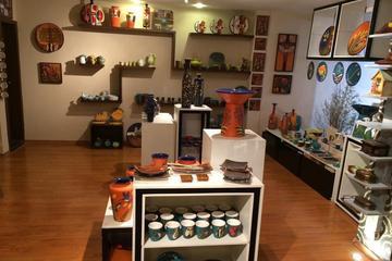 Eduardo Vega's Ceramics Exhibition in Quito
