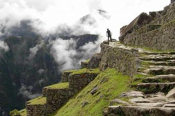 Caminata de 4 días a Machu Picchu por el Camino Inca clásico