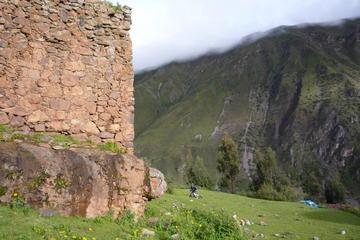 Caminata de las ruinas de Pumamarca a...