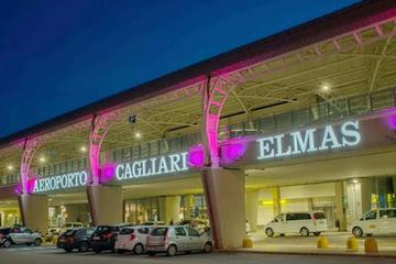 Cagliari: Private Airport Transfer to the Area of Chia