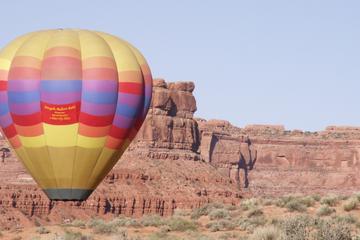 Passeio de balão de ar quente sobre o deserto de Sonora