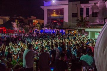 Skip the Line: Mandala Beach Pool Party with Open Bar in Cancun