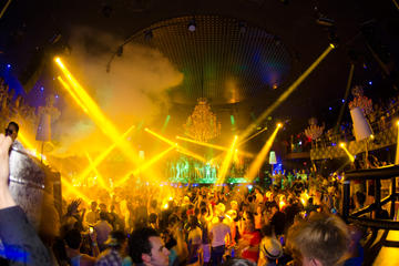 Skip the Line: Palazzo Nightclub Open Bar in Cancun
