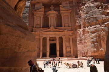 2-Day Weekend Guided Tour: Petra - Wadi Rum - Mujib Trail and Dead Sea