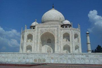 1-Day Private Tour to Agra with 3 UNESCO world Heritage from Delhi by Train