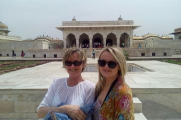 One Day Taj Mahal Tour From Jaipur by Train