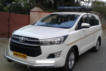 Private Transfer: Agra Hotel to Delhi International Airport