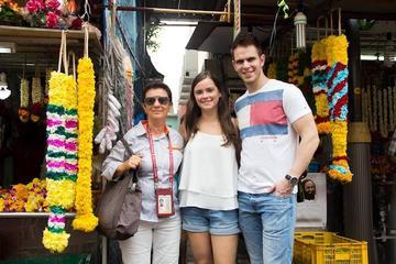 Dual City Tour: Contrasting Singapore...