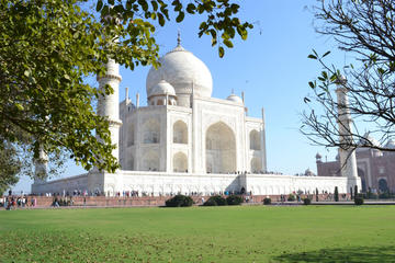 Day Trip : Taj Mahal Same Day Tour From Delhi