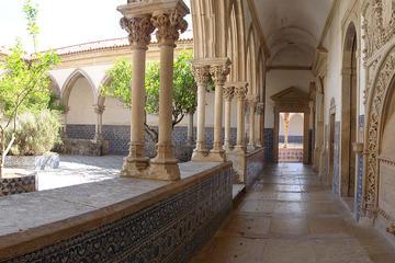 Excursión privada de día completo a Fátima, Ourém y Tomar desde Lisboa