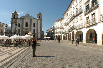 Private Evora and Monsaraz Day Tour from Lisbon