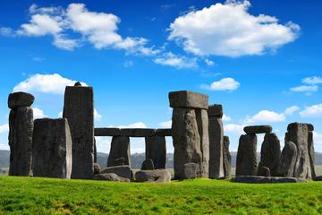 Exclusiva de Viator: acceso a primera hora a Stonehenge con un guía...