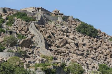 Day tour to Gingee Fort from Pondicherry