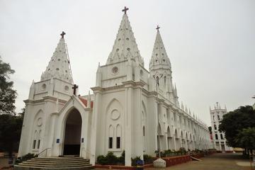 Day visit to Poondi Madha Basilica from Thanjaur