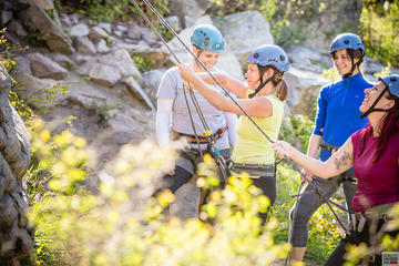 Rock Climb in Okanagan: 4-Hour Beginner Skills Course