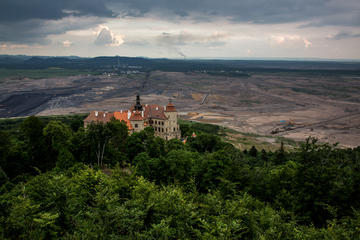 Full-Day Trip in an Off-Road Vehicle from Prague to the Industrial Landscape of Northern Bohemia