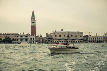 Private Tour: Cocktail Cruise on Venice Lagoon
