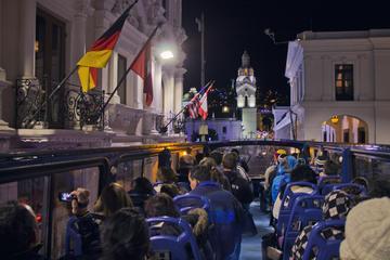 Quito por la noche y espectáculo y música ecuatoriana en directo