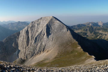 Full-day Pirin Mountain Vihren to Yavorov hike from Bansko