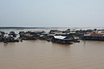 Full-Day Tonle Sap Lake and Floating Villages Cruise from Siem Reap