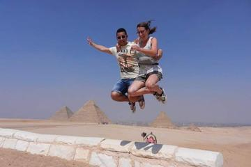 8-Hour Private Guided Tour to Giza Pyramids Memphis and Saqqara from Cairo