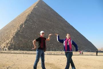 Recorrido turístico privado de día completo a Guiza, Saqqara...