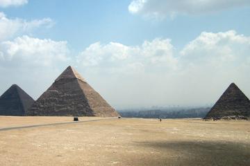 Two-Day Private City Tour of Cairo, Giza & Saqqara