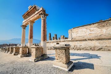 Tägliche Führung durch Pompeji in kleiner Gruppe mit Archäologen als...