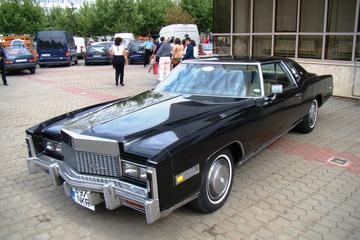 Excursão real em Bucarest em um carro...