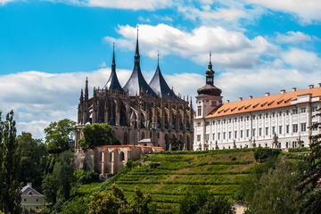 Private Round-Trip in Luxury Limousine: Kutna Hora - UNESCO Heritage