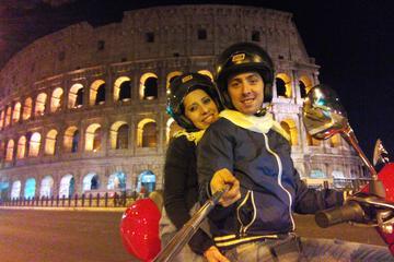 ベスパで巡る夜のローマ