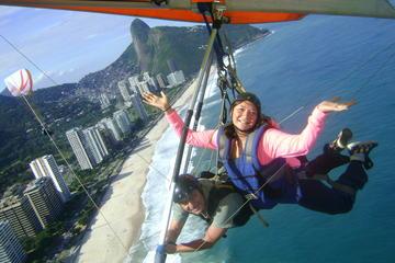 Excursão de asa-delta saindo do Rio...