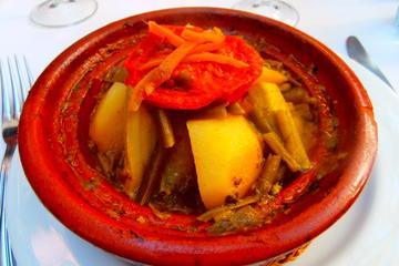 Clase de cocina privada en Marruecos y experiencia de masaje en...