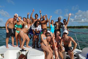 Crucero con fiesta en catamarán en Punta Cana