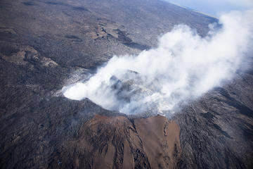 コナ発ハワイ火山国立公園冒険ツアー