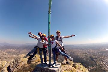 Aventura de escalada en roca y rápel en La Peña de Bernal