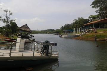 Excursión de pesca por La Arenosa en el lago Gatún Panamá
