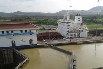 Visita privada al canal de Panamá, Calzada, casco antiguo y mercado...