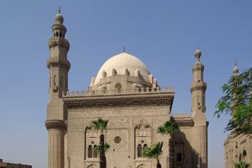 Full Day tour to Giza Pyramids and Islamic Cairo