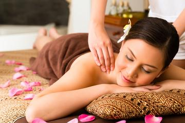 Luxurious Lunch and Spa Experience in Delhi