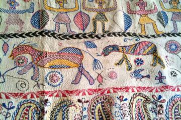 Private Kantha Stitch Painting Tour in Kolkata