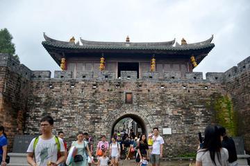 Dapeng Fortress and Jiaochangwei Seashore Day Tour