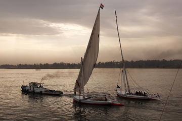 Private tour to Cairo tower felucca and koshary