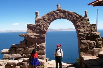 Full Day Tour: Uros and Taquile Islands from Puno
