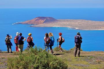 Volcán Monte Corona y subida de acantilados en Lanzarote