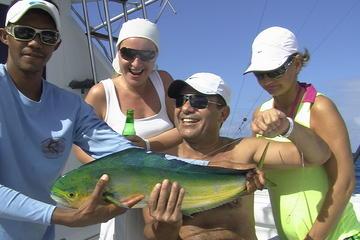 Excursão de pesca de meio dia em alto-mar, com barco alugado, em...