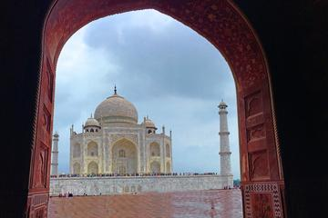 Taj Mahal Sightseeing with a drop at Agra or Jaipur from Delhi